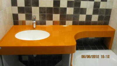 Оранжевая столешница