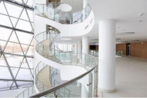 Лестница облицованная искусственным камнем Corian в Банке Развития