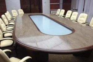 стол для периговоров из искусственного камня Corian Sanora
